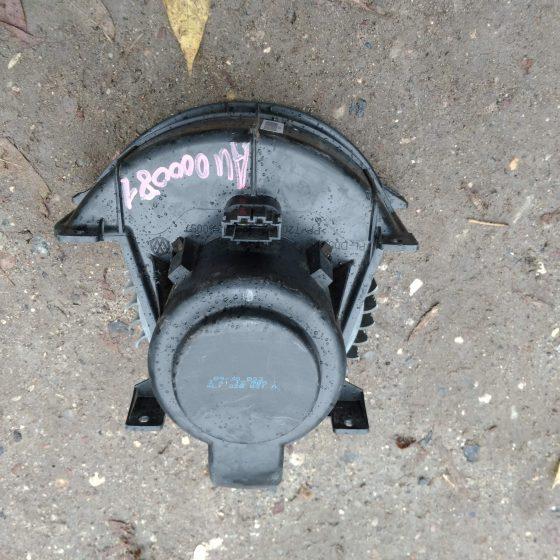Вентилятор отопителя Audi Q7