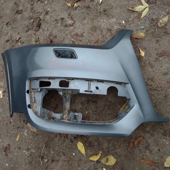 Бампер передний правая часть Audi Q3